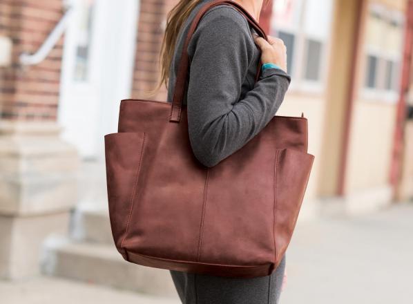 ارزان ترین قیمت کیف چرم زنانه در مراکز تولیدی